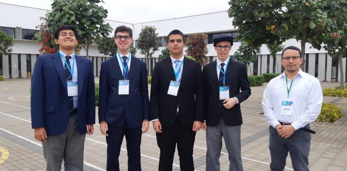 Campeones Torneo de Debate ADECOPA Colegio San Pedro